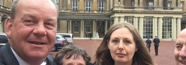 Selfie outside the queen Palace